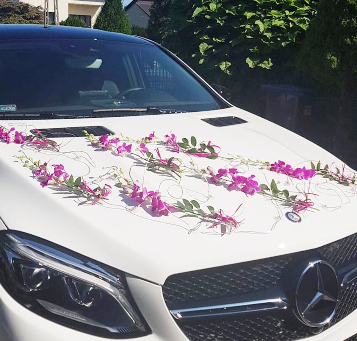 Dekoracja samochodów do ślubu